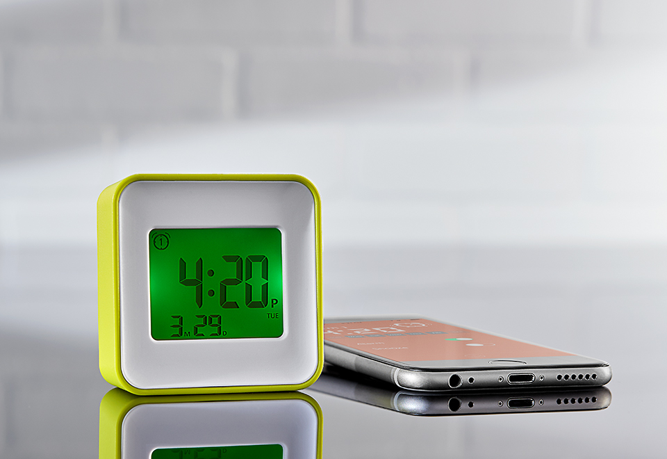 manual sharper image owners radio controlled travel clock